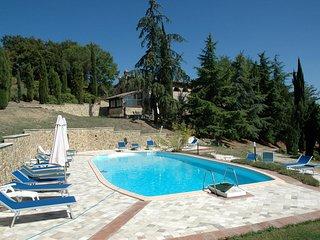 3 bedroom Apartment in San Gimignano, Tuscany, Italy : ref 1233002