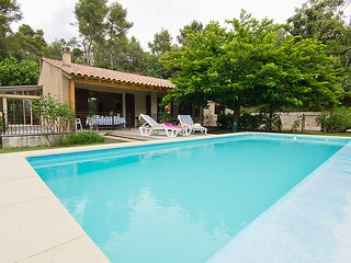 3 bedroom Villa in Grambois, Provence, France : ref 2012462