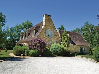 4 bedroom Villa in Montignac, Aquitaine, France : ref 2095702, Saint-Amand-de-Coly