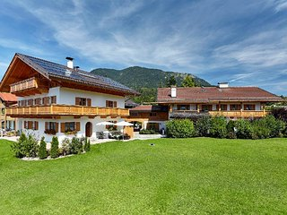 Vacation Apartment in Garmisch-Partenkirchen - 1292 sqft,  (# 9974)