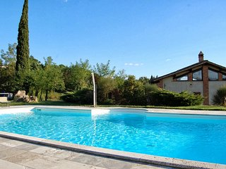 Armaiolo Holiday Home Sleeps 8 with Pool and Air Con - 5226789