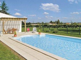 5 bedroom Villa in St Andre de Lidon, Charente Maritime, France : ref 2220109, Saint-Andre-de-Lidon
