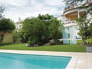 3 bedroom Villa in Avignon, Vaucluse, France : ref 2220153, Aviñón
