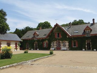 4 bedroom Villa in Mer, Loir-et-cher, France : ref 2220867
