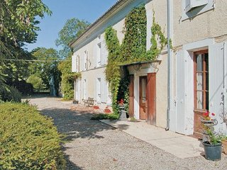 7 bedroom Villa in Cresse, Charente Maritime, France : ref 2220948