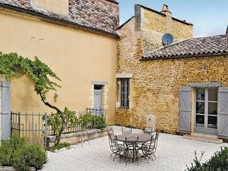 6 bedroom Villa in Sainte Alvere, Dordogne, France : ref 2221046, Le Bugue