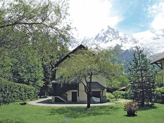 5 bedroom Villa in Chamonix Mont Blanc, Haute-savoie, France : ref 2221738