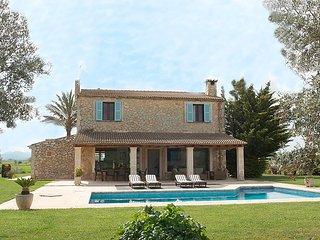 4 bedroom Villa in Petra, Mallorca, Mallorca : ref 2235898