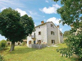5 bedroom Villa in Visnjan-Markovac, Visnjan, Croatia : ref 2238430