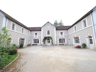 9 bedroom Villa in Sermizelles, Burgundy, France : ref 2242641, Blannay