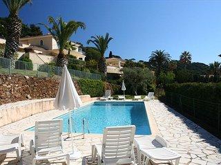 2 bedroom Villa in Ste Maxime, Ste Maxime, France : ref 2244681
