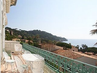 2 bedroom Villa in Sainte-Maxime, Provence-Alpes-Côte d'Azur, France : ref 52470
