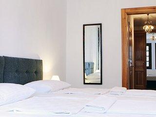 4 bedroom Villa in Istanbul, Marmara, Turkey : ref 2249325