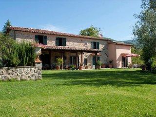 5 bedroom Villa in Santa Fiora, Tuscany, Italy : ref 2269981