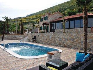 4 bedroom Villa in Trogir-Rudine, Trogir, Croatia : ref 2276910, Kastel Stafilic