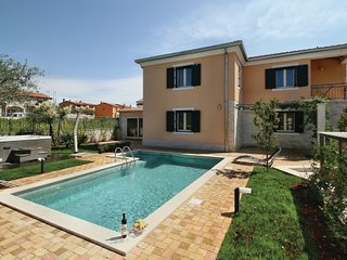 3 bedroom Villa in Novigrad-Strada Contesa, Novigrad, Croatia : ref 2276938