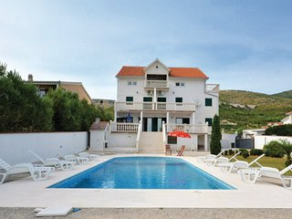 6 bedroom Villa in Trogir-Plano, Trogir, Croatia : ref 2277267