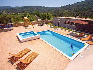 3 bedroom Villa in Split-Srinjine, Split, Croatia : ref 2277433