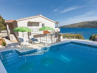 3 bedroom Villa in Trogir-Poljica, Trogir, Croatia : ref 2278473