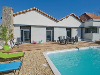 4 bedroom Villa in Charleval, Bouches Du Rhone, France : ref 2279217