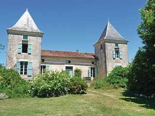 7 bedroom Villa in Bourlens, Lot Et Garonne, France : ref 2279599