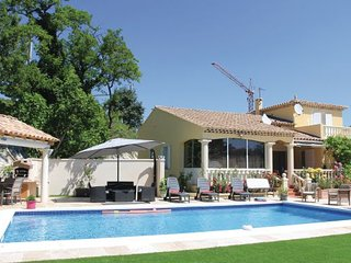 5 bedroom Villa in Les Angles, Gard, France : ref 2279637