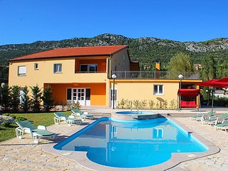 6 bedroom Villa in Vrgorac, Central Dalmatia, Croatia : ref 2284644