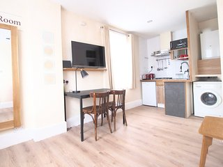 Best Value. East End Studio 1M with WC & kitchen