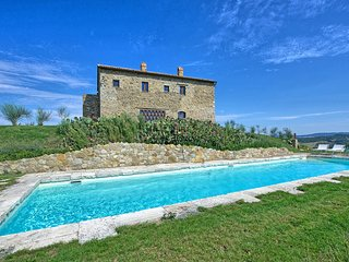 4 bedroom Villa in Campiglia D orcia, Val D orcia, Tuscany, Italy : ref 2387018