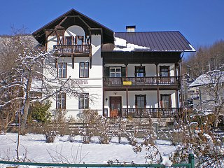 9 bedroom Villa in Bad Goisern am Hallstattersee, Salzkammergut, Austria : ref