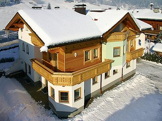 3 bedroom Apartment in Aschau im Zillertal, Zillertal, Austria : ref 2295431