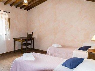 6 bedroom Villa in Cortona, Arezzo, Cortona and surroundings, Italy : ref 2299025