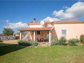 4 bedroom Villa in Labinci, Istria, Labinci, Croatia : ref 2301785, Kastelir