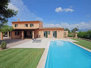 4 bedroom Villa in Binissalem, Mallorca : ref 4526