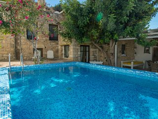 Villa Chrissie Marie, private Pool, Wi-Fi, near Matala caves, Bay of Messara