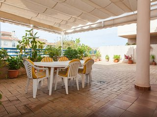 Apartment with spacious terrace, near the center and the beach, Sanlucar de Barrameda
