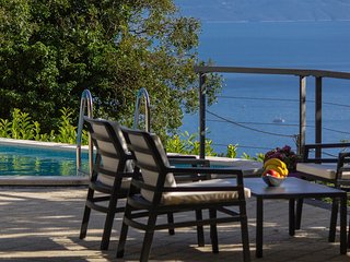 Holiday home Bastion w/ pool Makarska