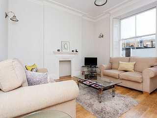 Central one bed apartment, sleeps up to four people in Marylebone, Londres