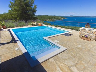 Picturesque Villa Parma by the Sea with Pool, Sibenik