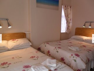 Shazron Guest House Family-Ens.2 Adults & 2 Child, Blackpool