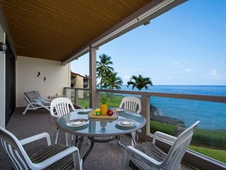 KKSR3202 DIRECT OCEANFRONT, Spacious, 2nd Flr, Kailua-Kona
