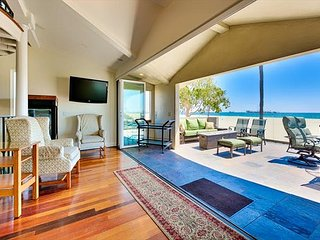 Luxury Home in Belmont Shores W/ XL Relaxation Deck - Endless Ocean Views
