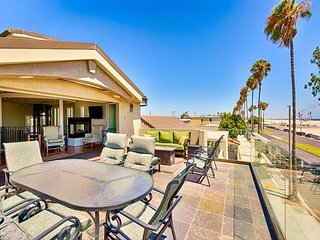 10% OFF OPEN DEC DATES - Luxury Home W/ XL Relaxation Deck and Ocean Views, Long Beach