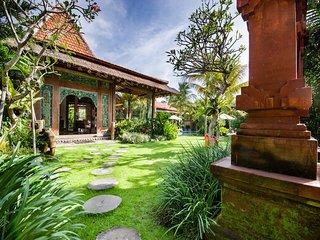 Spacious, Modern, Luxurious Canggu Villa w Pool