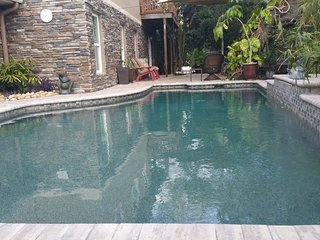 Tarpon Springs Fun in the Sun w/ a Pool & Beaches
