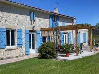 Holiday Farmhouse, Charente Maritime. S.W. France, Nere