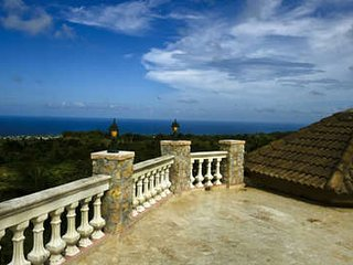 Wondrous 9 Bedroom Villa in Cabrera
