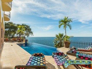 Tremendous 6 Bedroom Villa in Puerto Vallarta, Boca de Tomatlan