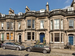 Stunning period apartment, Edimburgo
