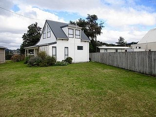 Seaside Cottage - Tairua Holiday Home